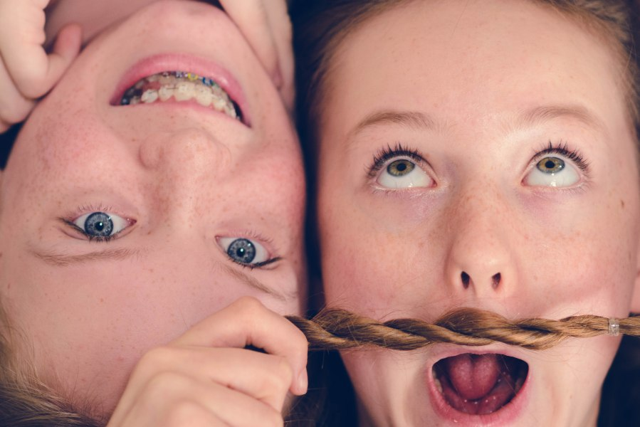 Family photography sisters blue hazel eyes