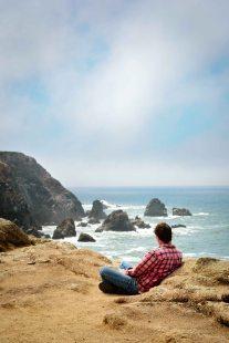 environmental portrait nature outdoor photography man ocean cliff