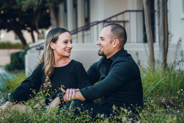 neilson family photography photographer engagement photoshoot santa clara university daisies
