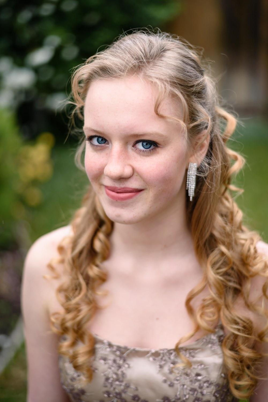 family teen prom graduation photography photographer portraits outdoors eyes