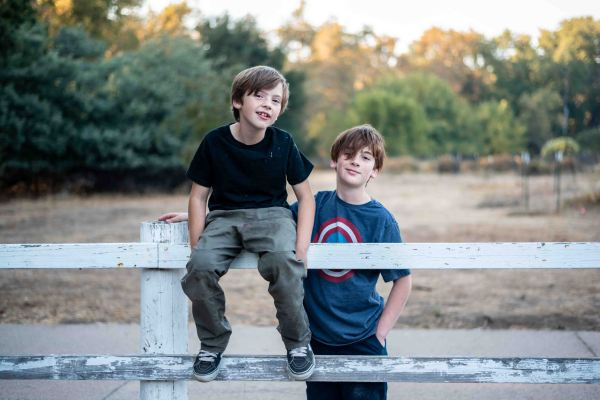 Neilson family photography california bay area mcclellan ranch cupertino photographer brothers fence rural