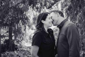 neilson family photography bay area cupertino mcclellan ranch erin mcenery kiss bw