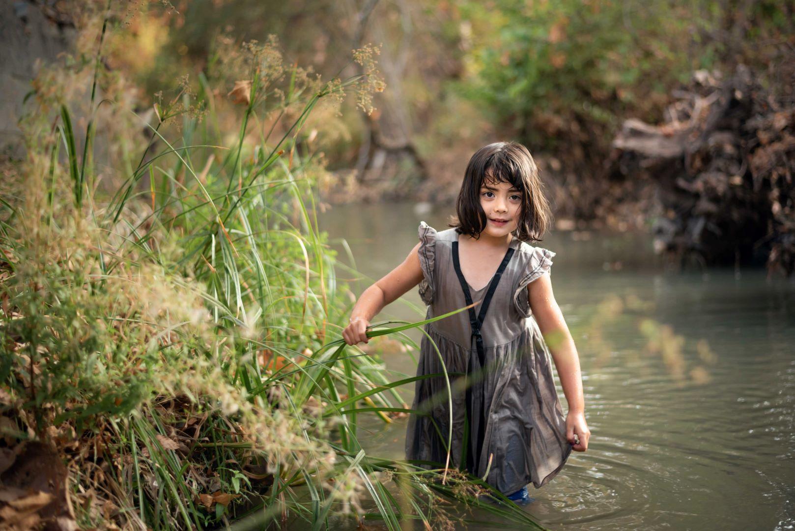 neilson kids family photography cupertino mcclellan park creek orla water