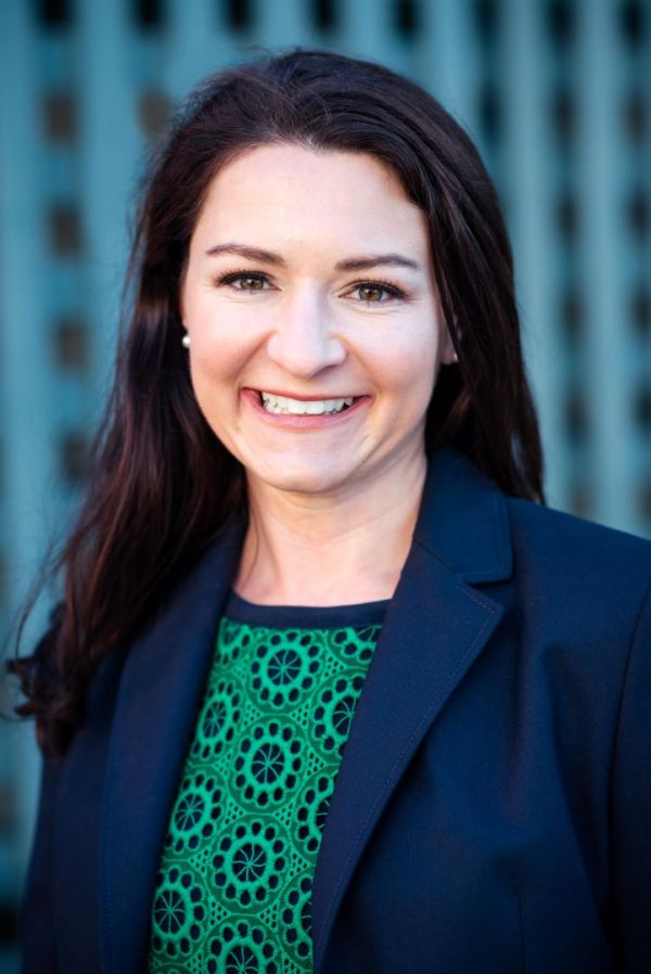 bay area corporate headshot outdoor architectural mountain view lawyer