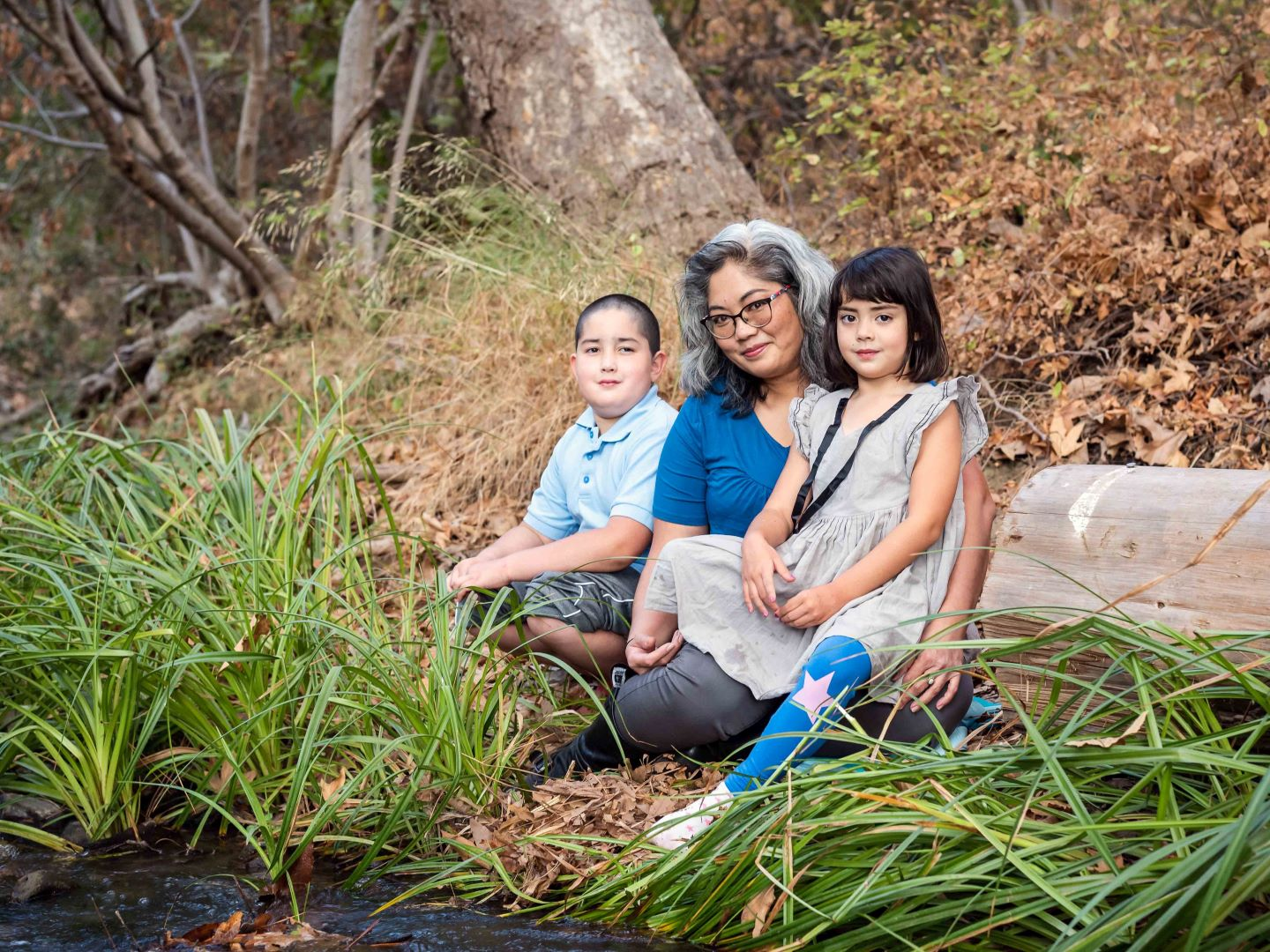 neilson outdoor family photography kids bay area cupertino mcclellan ranch creek mom and kids