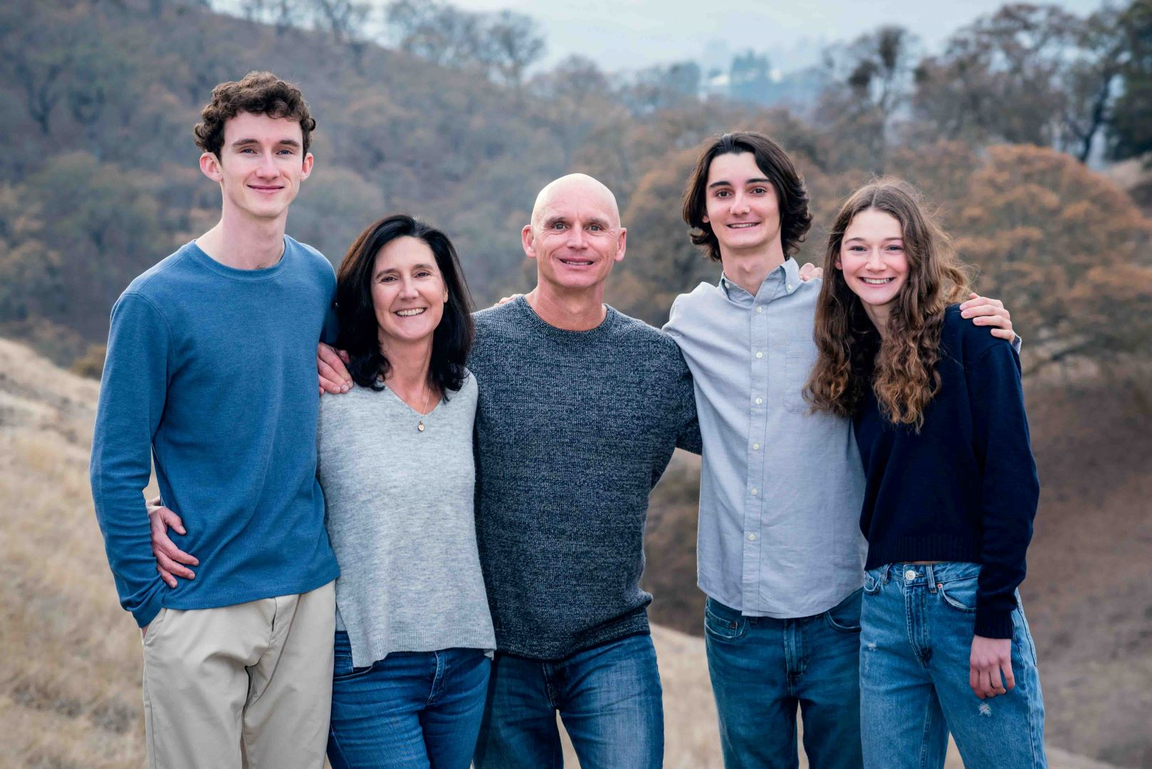 neilson family photography walnut creek outdoors mountains trees nature borges ranch mount diablo group shot