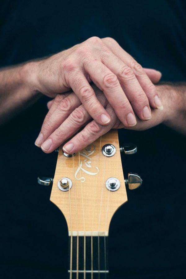 neilson portrait photography bay area san jose photographer keith flemming singer song-writer poet guitar hands